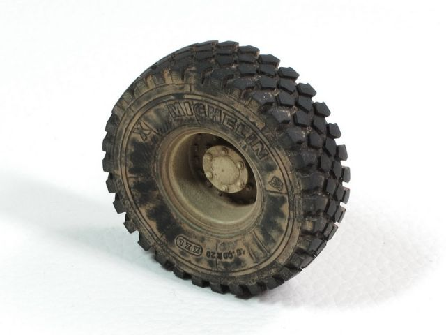 E.T.Model ER35-043 Buffalo 6X6 MPCV(2004-2006 Production)Weighted Road Wheels