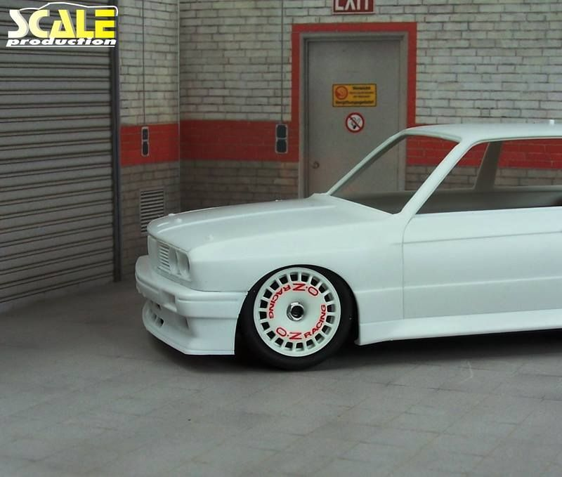 """Scale Production SPRF24106 18"""" OZ Racing DTM"""