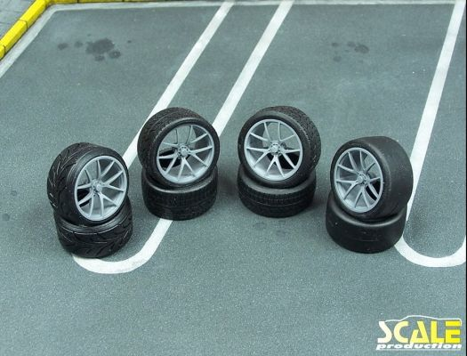 "Scale Production SPRF24141 18"" BBS FI-R"