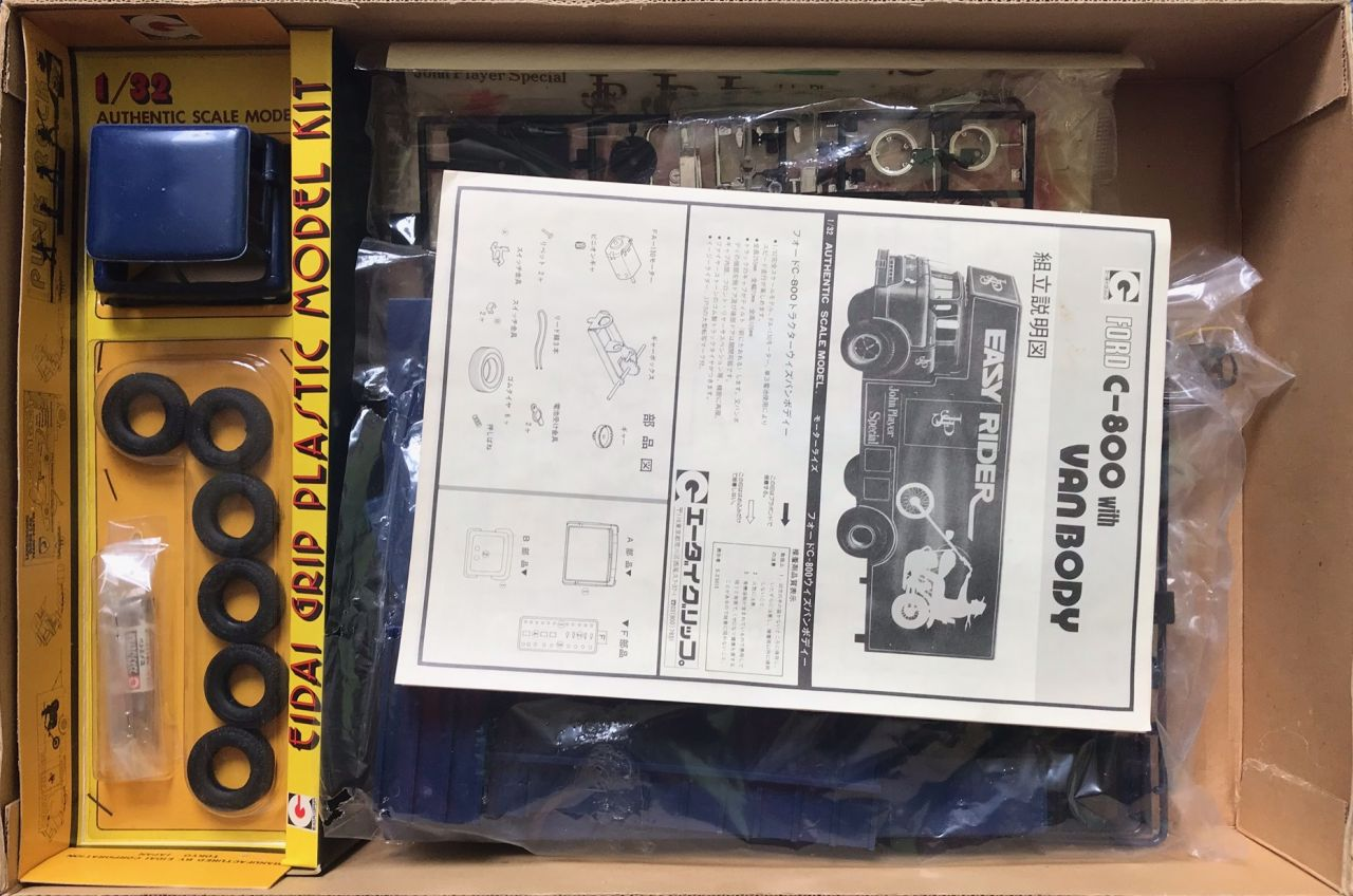 Eida Grip 1402 Ford C-800 with Van Body Easy Rider John Player Special